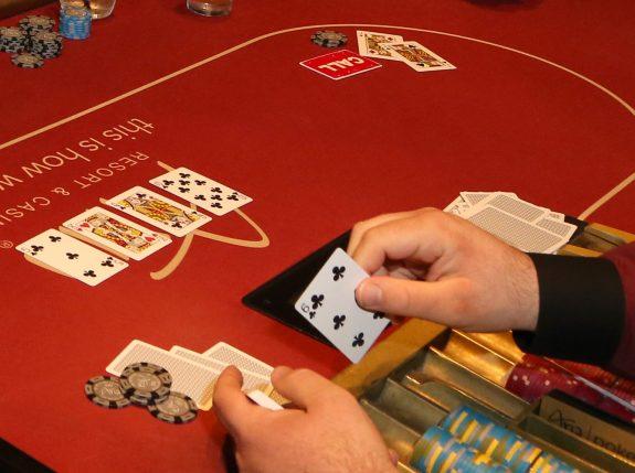 Flash Casinos-真正的撲克體驗